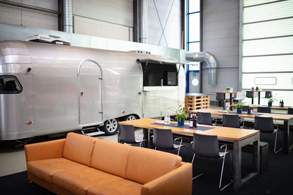 """Foodtruck """"Airstream"""" Design - Industrie look Möbel"""